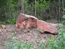 Porphyrsteine im Steinbruch